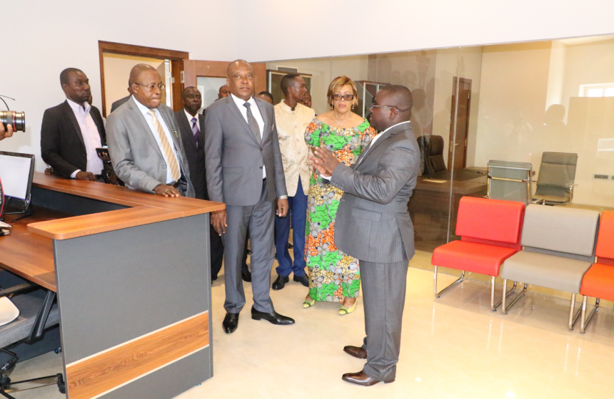 Minister's visit to Inovexi Headquarters