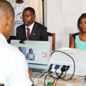 RDC : Steve Mbikayi lance l'opération d'octroi des cartes biométriques aux étudiants